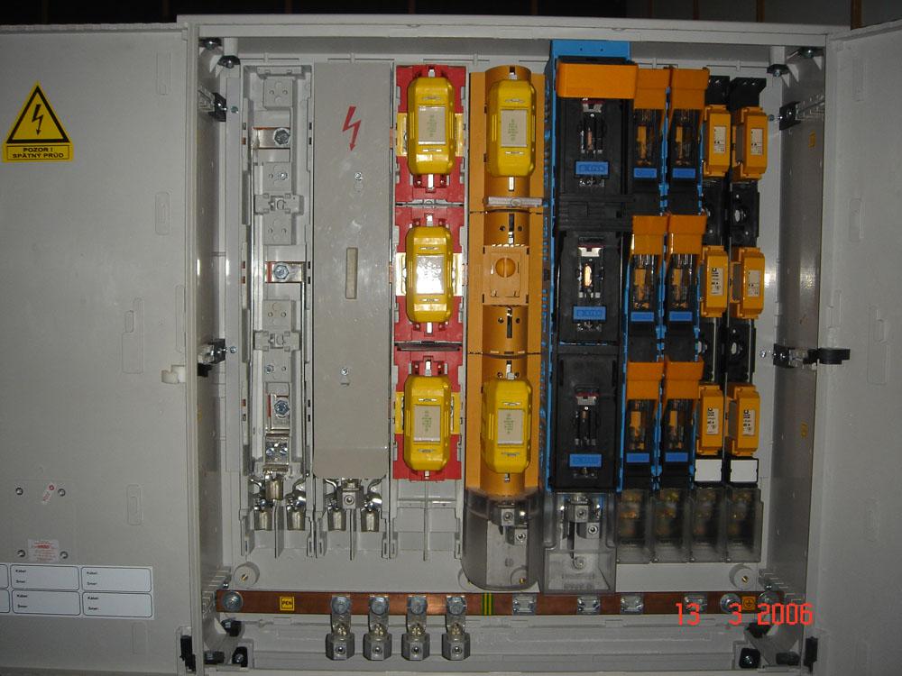 Druhy prístrojov v skrini SR